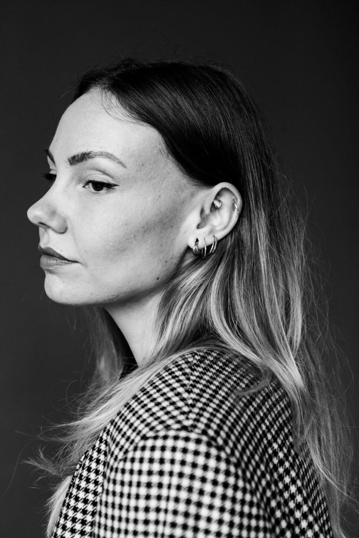 portrait of Nana van Dijk PORTRAITSshot by MICHÈLE MARGOT photography